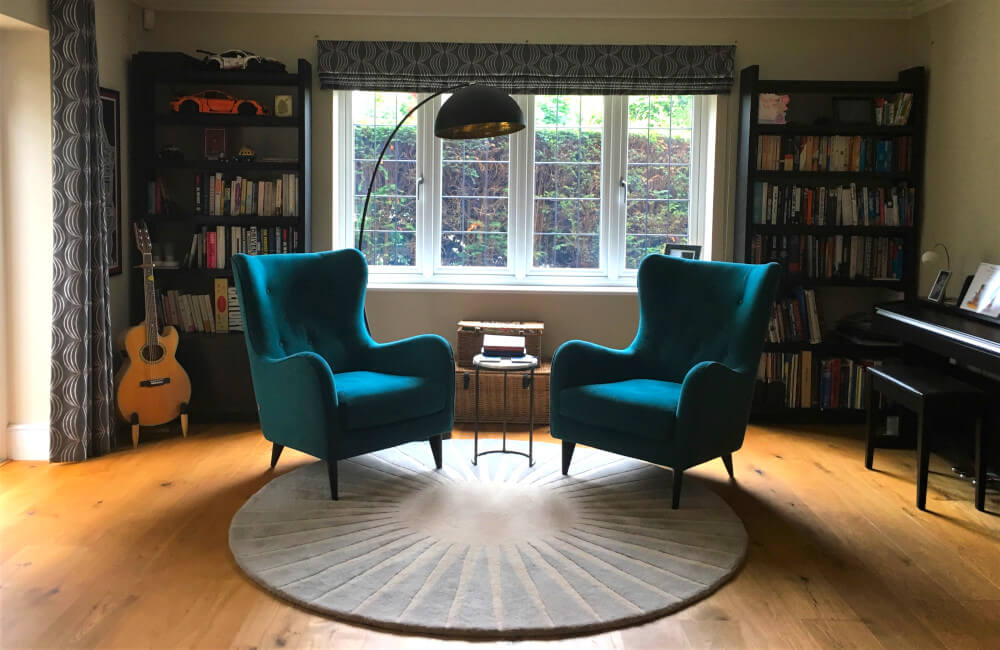 comtemporary living room, weybridge, teal armchairs